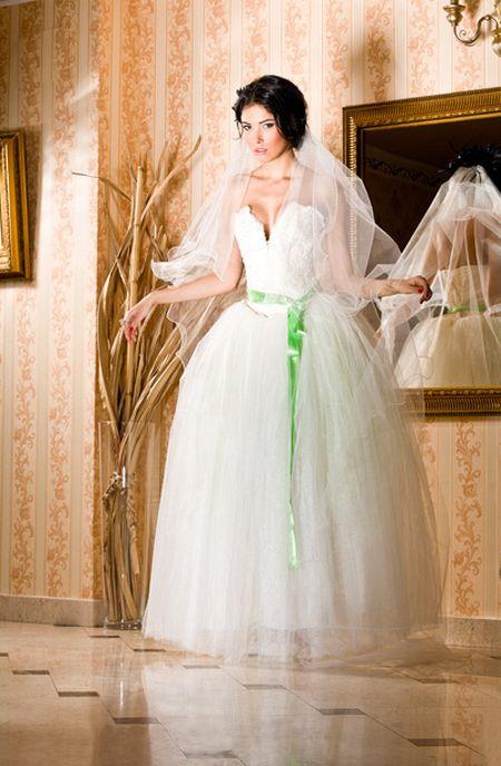 Сватбен Каталог април 2013
